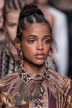 33 Meilleures Images Du Tableau Coiffure Tissages Cheveux