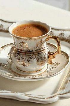 Coffee World, Coffee Is Life, Coffee Set, Coffee Love, Coffee Break, Coffee Drinks, Arabic Coffee, Turkish Coffee, Coffee Presentation