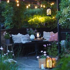 The One Thing to Do for Small Backyard Garden Design Layout Patio Ideas - casitaandmanor Diy Pergola, Small Pergola, Pergola Attached To House, Pergola Shade, Corner Pergola, Small Backyard Gardens, Backyard Garden Design, Porches, Wisteria Pergola