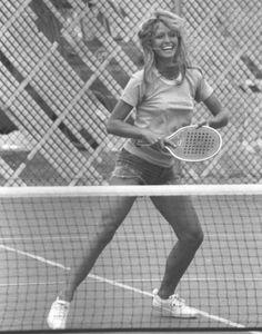 Jill Munroe (Farrah Fawcett) on Charlie's Angels Santa Monica, Kate Jackson, Cheryl Ladd, Pose Reference Photo, Tennis Fashion, Farrah Fawcett, Lady Diana, Sport Girl, Album Covers
