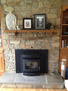 Fireplace evolution: why we chose a pellet stove - Wood Burning Fireplace Inserts Pellet Stove Fireplace Insert, Best Pellet Stove, Wood Burning Stove Insert, Pellet Stove Inserts, Pellet Burner, Wood Stove Surround, Wood Pellet Stoves, Brick Fireplace Makeover, Houses