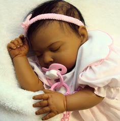 reborn a cute one I want Life Like Baby Dolls, Life Like Babies, Real Baby Dolls, Cute Baby Dolls, Realistic Baby Dolls, Newborn Baby Dolls, Reborn Baby Girl, Reborn Nursery, Bebe Real