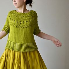 Ranunculus is a round yoke pullover with lace and textured stitches. Hand Knitted Sweaters, Sweater Knitting Patterns, Cardigan Pattern, Knitted Shawls, Lace Knitting, Knitting Designs, Summer Knitting, Ranunculus, Knit Fashion