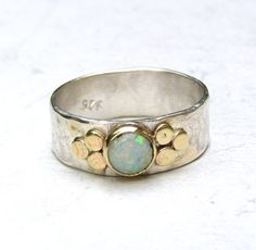 Opale bianco Gemestone anello di fidanzamento 14k oro di OritNaar