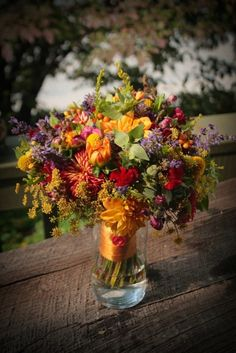 Vibrant Autumn bridal bouquet
