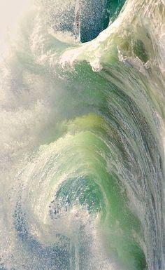 Waves more crashing and tumbling down