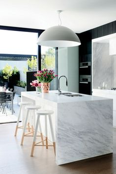 Modern Kitchen Decor : Modern marble kitchen dark feature cabinets but there is a lot of natural light Modern Kitchen Design, Interior Design Kitchen, Kitchen Designs, Modern Bar, Modern Stools, Modern Interior, Bar Interior, Bar Designs, Modern Decor