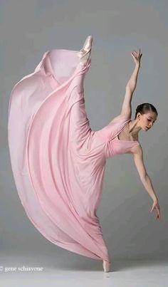 Il colore e& poesia dell& - Dance Picture Poses, Dance Poses, Dance Pictures, Ballet Art, Ballet Dancers, Dancer Photography, Ballerina Dancing, Dance Movement, Ballet Beautiful