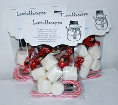 Nice idea for Christmas give aways! Christmas Goodies, Christmas Printables, Christmas Candy, Diy Christmas Gifts, All Things Christmas, Winter Christmas, Christmas Time, Snowman Soup, Christmas Crafts
