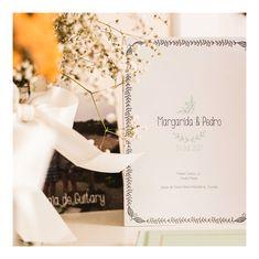Missal de Casamento | Wedding Wedding Designs, Wedding Dresses, Daisies, Valentines Day Weddings, Bride Dresses, Bridal Gowns, Wedding Dressses, Weding Dresses, Dress Wedding