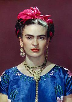 Nickolas Muray, Frida con satén azul Blusa, Nueva York, 1939