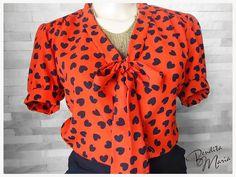 Blusa ladylike da Bendita Maria. Eu tenho uma dessas tam. G. Podemos usar dependendo da atriz escolhida.