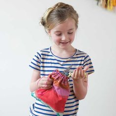 With these fun fabric gift bags, wrapping your gift can be almost as much fun as making it. They have a great dual purpose of holding your gift and then being a useful little bag for storing special things! Sewing Projects For Kids, Craft Projects, Craft Ideas, Fabric Gift Bags, Mother Earth News, Little Bag, Crafty, Wrapping, Handmade