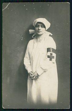 International Red Cross, Male Nurse, Vintage Nurse, War Image, Holy Cross, Women In History, World War I, Wwi, Great Photos