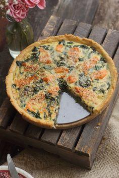 Tarta z łososiem i szpinakiem Impreza, Quiche, Hamburger, Food Ideas, Foods, Snacks, Dinner, Cooking, Breakfast