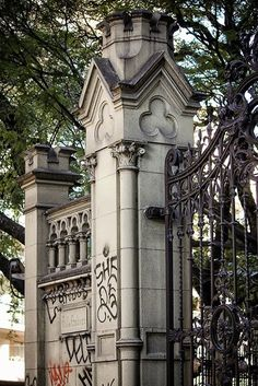 CASTILLO VILLA OMBUES BELGRANO Largest Countries, Countries Of The World, Steampunk City, Patagonia Travel, Townhouse Exterior, Castle Gate, Most Beautiful Cities, Architecture Details, South America