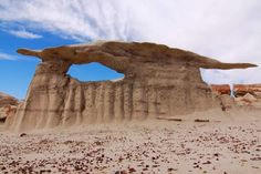Alien Landscapes of Bisti/De-Na-Zin Wilderness in San Juan County, New Mexico Places To Travel, Places To See, Visit Usa, Land Of Enchantment, Vacation Spots, Beautiful Landscapes, Wilderness, Cool Pictures, Beautiful Places