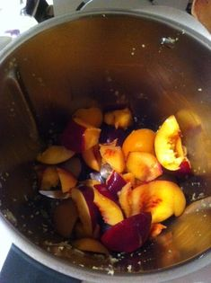 Fruit jam - will try with summer stone fruit! Jam Recipes, Canning Recipes, Other Recipes, Gourmet Recipes, Whole Food Recipes, Healthy Recipes, Peach Chutney, Vegetarian Sweets, Curried Lentil Soup