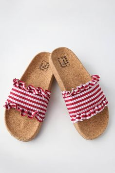 There is only one word to describe our feelings toward the LFL Alexa Red Gingham Slide Sandals, and it is OBSESSED! A smocked, red and white gingham toe strap has cute, ruffled trim. A trendy, cork insole completes the chic look. Denim Sandals, Sandals Outfit, Cute Sandals, Sport Sandals, Cute Shoes, Slide Sandals, Me Too Shoes, Red Sandals, Gingham Shoes