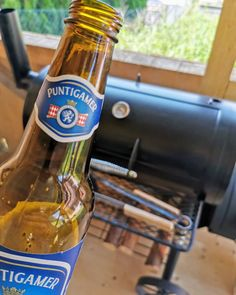 """Gefällt 18 Mal, 0 Kommentare - BBQ: Fauli grillt (@fauli_grillt) auf Instagram: """"Was meint ihr? Klischee: Bier zum Grillen muss sein? 🤔 Oder doch kein Muss? 🤔 Lässt mal eure…"""" Beer Bottle, Drinks, Instagram, Food, Beer, Crickets, Tips And Tricks, Drinking, Beverages"""