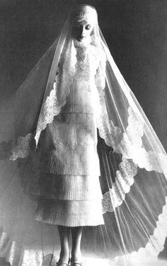 【ウエディング ドレス Wedding Dresses ウエディングベール Wedding Veil ティアードスカート Tiered skirt 白 White】theyroaredvintage: Photo by Barry Lategan for Vogue Italia, 1970.