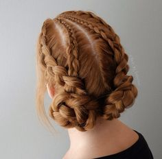 Boxer braided buns by Alex Pelerossi