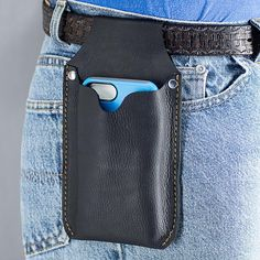 Large leather cell phone holster for your belt, handmade from Genuine leather with rivets - billeteras de cuero - Phoneaccessories 2020 Iphone Holster, Leather Cell Phone Cases, Bracelet Cuir, Best Iphone, Leather Projects, Iphone Accessories, Accessories Store, Leather Working, Leather Craft