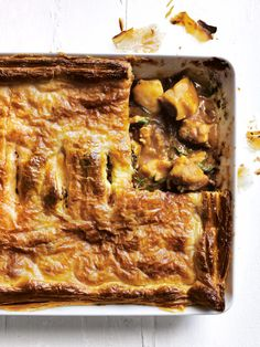 chicken, caramelised onion and tarragon pie