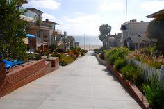 Walk Street leading down to the Strand of Manhattan Beach