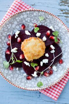 roasted beet salad with crispy goat cheese + 13 other delicious beet recipes
