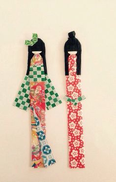 Japanese Origami Paper Doll Bookmarks, origami dolls, traditional Japanese kimonos, Boy and girl origami dolls, Paper bookmarks.