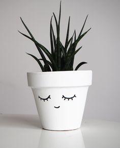 Customiser un pot facilement / Peindre un visage sur un pot