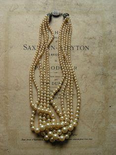 #Pearls (Source: magic-bazaar, via zsazsabellagio)| #jewel