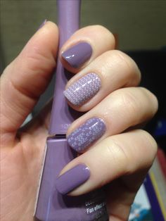 Dusty purple knitted nails. MoYou London Fashionista 03