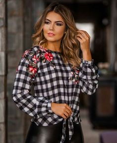 Corsage, Latest Tops, Fashion Outfits, Womens Fashion, Fashion Trends, Casual Jeans, Cute Tops, My Outfit, Blouses For Women