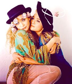 Mary Kate Olsen and Ashley Olsen photographed by Bruce Weber for Vogue in 2011 Mary Kate Ashley, Ashley Olsen, Michelle Tanner, Estilo Folk, Olsen Twins Style, Olsen Sister, Elizabeth Olsen, Hippie Style, Girl Crushes