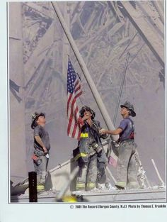 Old Glory Raised At New York's World Trade Center: 11 September 2001 World Trade Center, Trade Centre, We Are The World, In This World, 11 September 2001, July 28, Photo New, Moslem, Ville New York