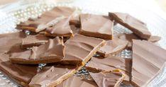 Itse tehty daim saa jouluisen maun piparkakkumausteesta. Candy, Chocolate, Kitchen Inspiration, Sweet, Christmas, Food, Xmas, Essen, Chocolates