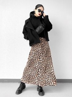 B Fashion, 2020 Fashion Trends, Japan Fashion, Winter Fashion Outfits, Skirt Fashion, Korean Fashion, Autumn Fashion, Animal Print Dress Outfits, Mix And Match Fashion