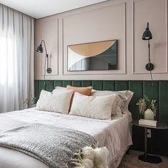 Contemporary Bedroom, Bedroom Inspirations, Bedroom Interior, Bedroom Design, Luxurious Bedrooms, Home Room Design, Bedroom Layouts, Green Headboard, Classic Bedroom