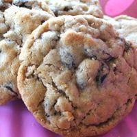 Oatmeal Raisen Cookies - this recipe looks good too! I cant wait to make me some cookies!
