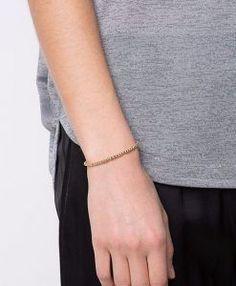 Ajustable – Convient à tous les poignets