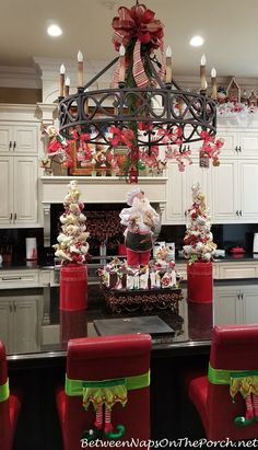 A Peppermint-Candy Fantasy Table & Kitchen Between Naps on the Porch Little Christmas Trees, Christmas Gingerbread, Christmas Candy, All Things Christmas, Christmas Decorations, Holiday Decor, Christmas Displays, Holiday Crafts, Christmas Kitchen