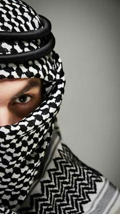 Brand New Luxury Men//Women Arab Shemagh Scarf Neck Wrap Slightly Damaged