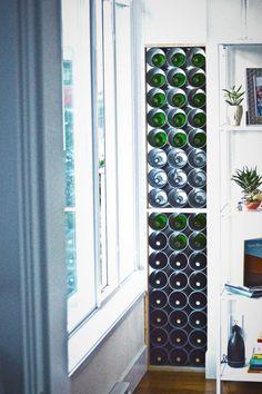 Für den Wein können Sie die Wandnischen und PVC-Rohre nutzen Mehr