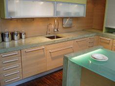 Brooks Custom's discussion on Hometalk. Regular glass countertop - Here is a glass top we did with some lighting to give it a nice look. Glass Countertops, Countertop Materials, Kitchen Dinning Room, Home Id, Custom Glass, Diy House Projects, Home Kitchens, Remodeled Kitchens, Small Kitchens
