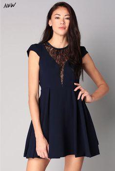 Robe bleue dentelle Laura Bleu BCBGeneration - Robe Monshowroom
