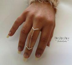 Bling Ring - Bijou: Anel de corrente, estilo Chevron
