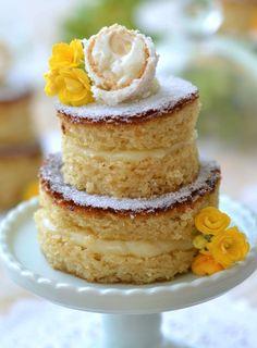 Mini naked cake Raffaello Bolos Naked Cake, Naked Cakes, Looks Yummy, Churros, Other Recipes, Vanilla Cake, Coco, Chocolate Cake, Food And Drink