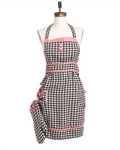 Jessie Steele Brown & Cream Woven Houndstooth Apron & Oven Mitt